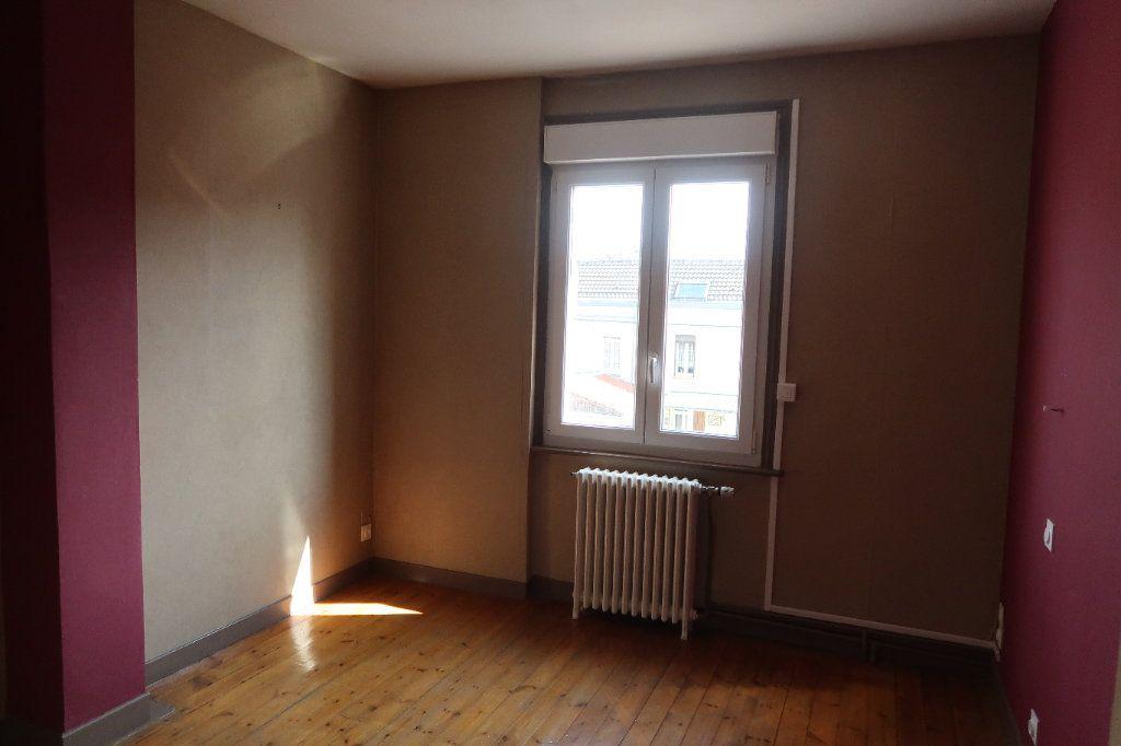 Maison à louer 7 140.85m2 à Saint-Quentin vignette-15