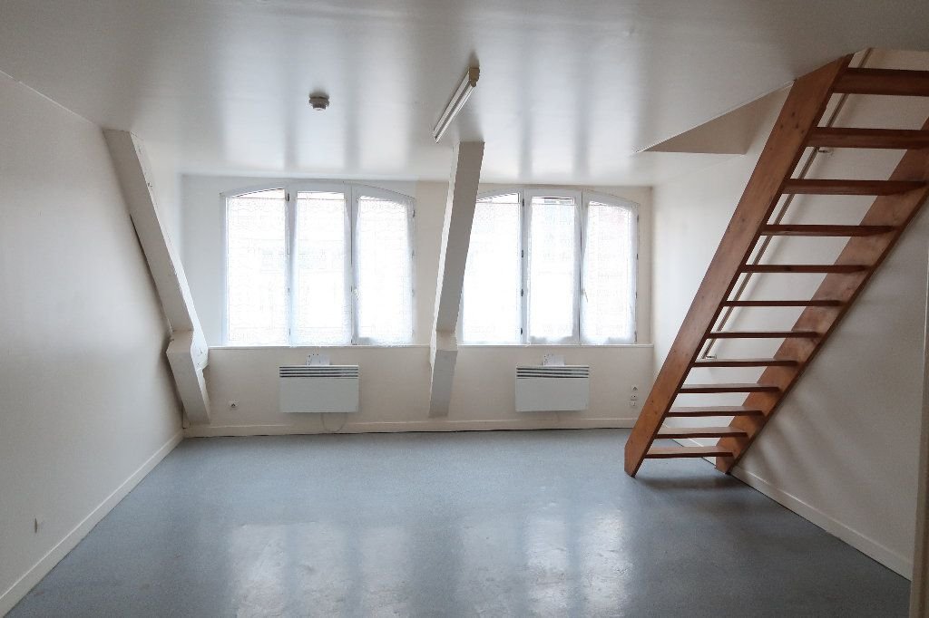 Appartement à louer 2 56.1m2 à Saint-Quentin vignette-1