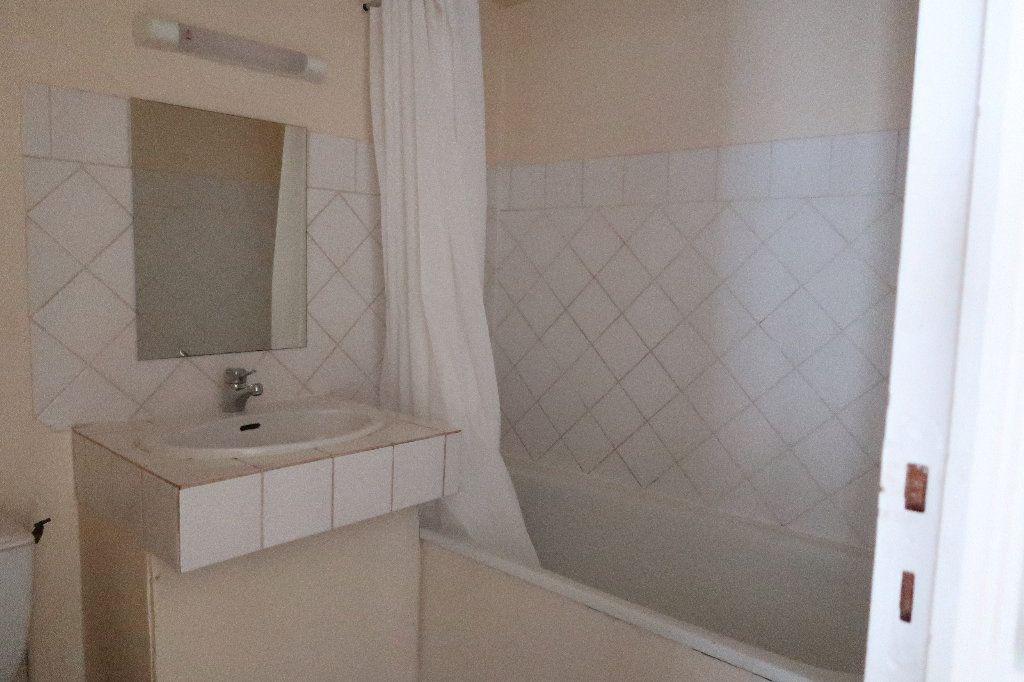 Appartement à louer 2 56.1m2 à Saint-Quentin vignette-4