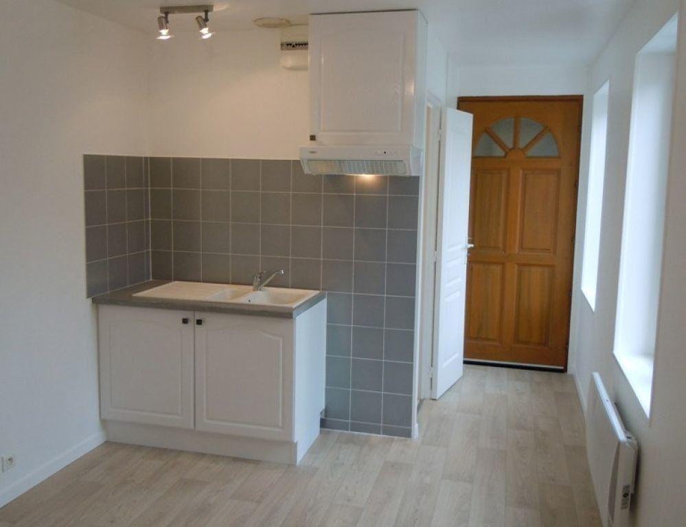 Appartement à louer 2 25.64m2 à Saint-Quentin vignette-1