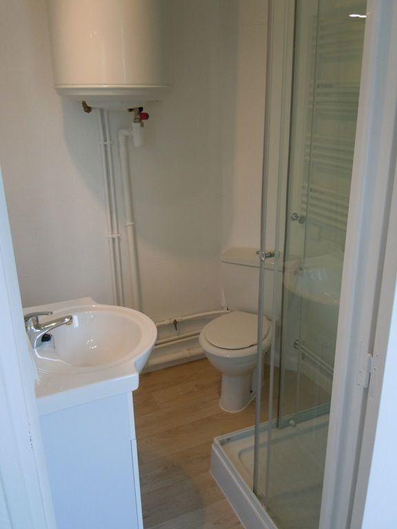 Appartement à louer 2 25.64m2 à Saint-Quentin vignette-2