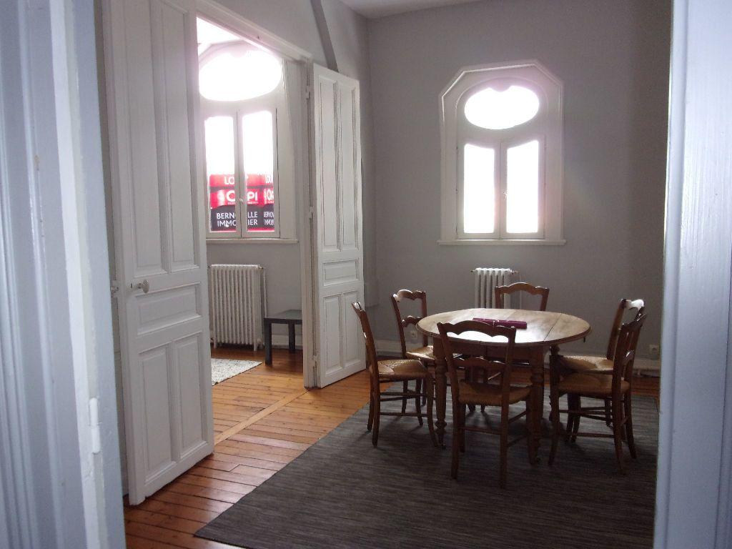 Appartement à louer 4 94.72m2 à Saint-Quentin vignette-3