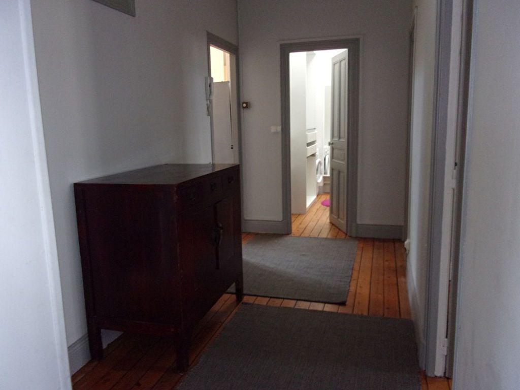 Appartement à louer 4 94.72m2 à Saint-Quentin vignette-4