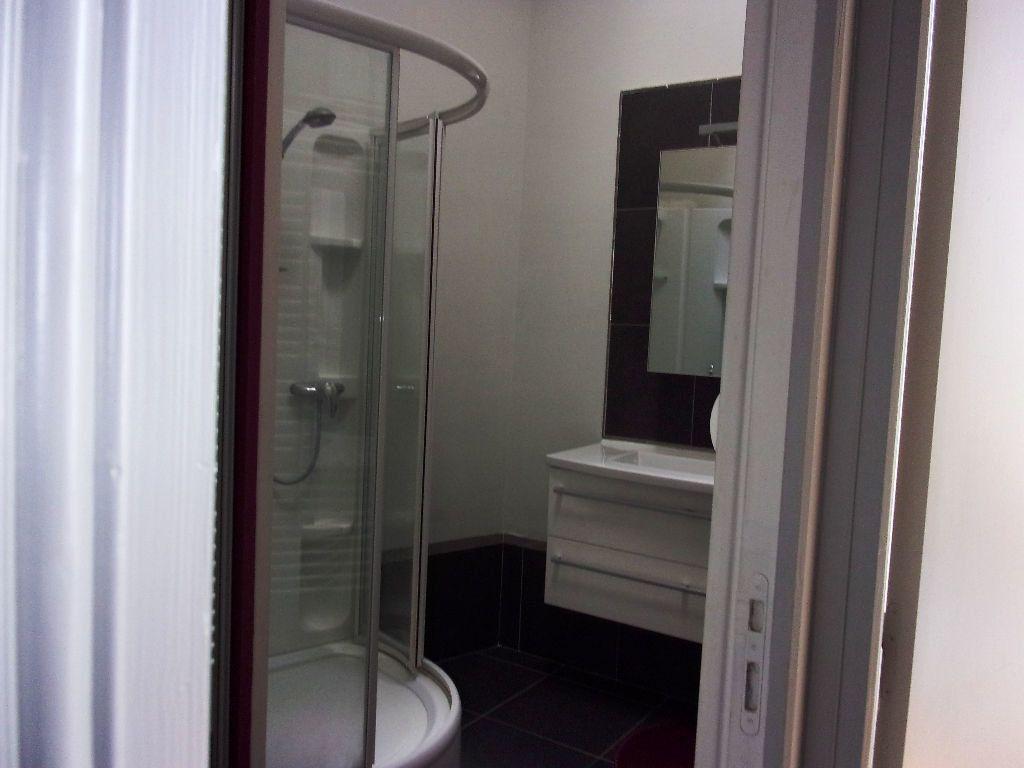 Appartement à louer 4 94.72m2 à Saint-Quentin vignette-5