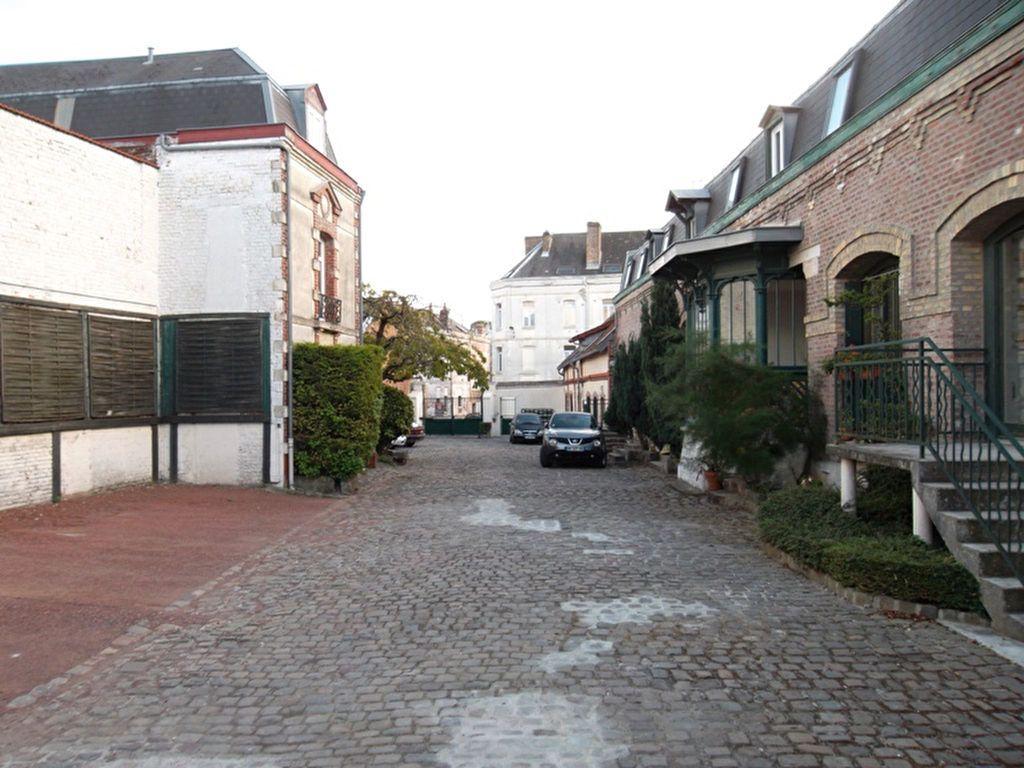 Appartement à louer 2 30.3m2 à Saint-Quentin vignette-2