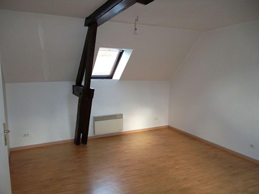 Appartement à louer 2 30.3m2 à Saint-Quentin vignette-3