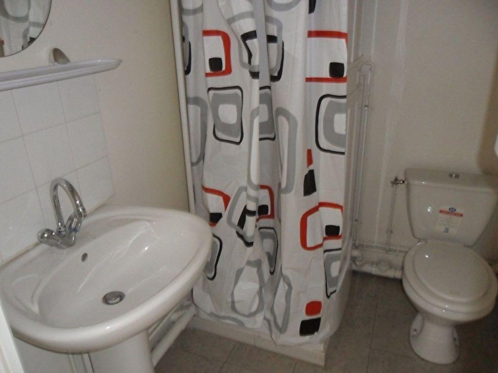 Appartement à louer 2 30.3m2 à Saint-Quentin vignette-4