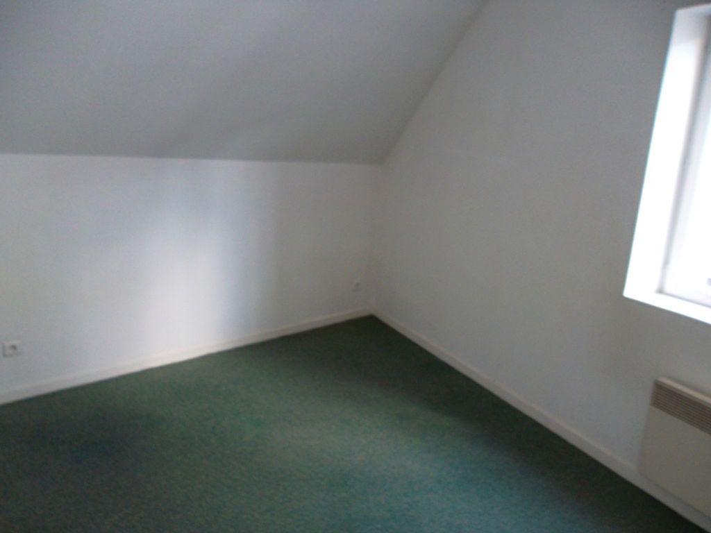 Appartement à louer 2 30.3m2 à Saint-Quentin vignette-5