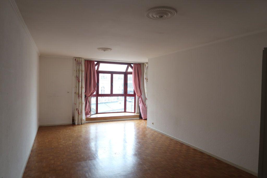 Appartement à louer 4 117m2 à Saint-Quentin vignette-1