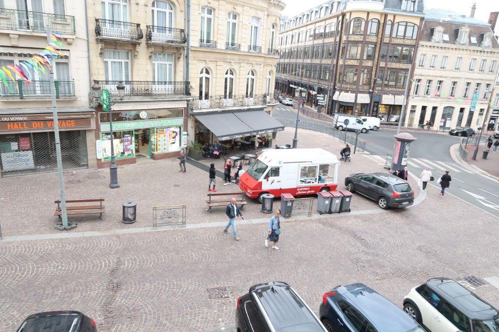 Appartement à louer 4 117m2 à Saint-Quentin vignette-4