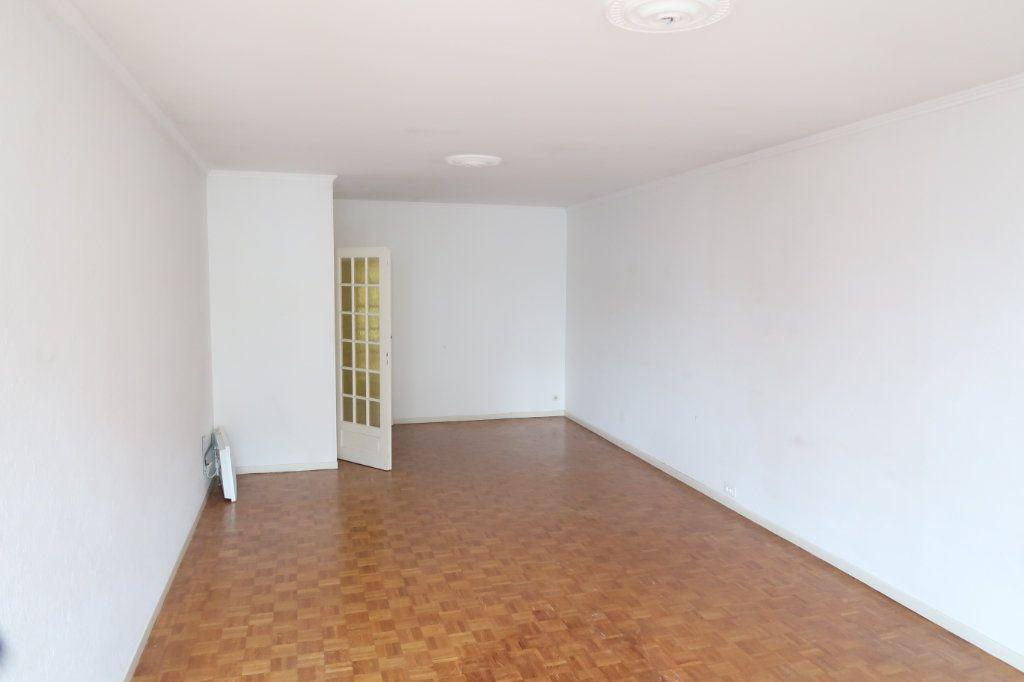Appartement à louer 4 117m2 à Saint-Quentin vignette-7