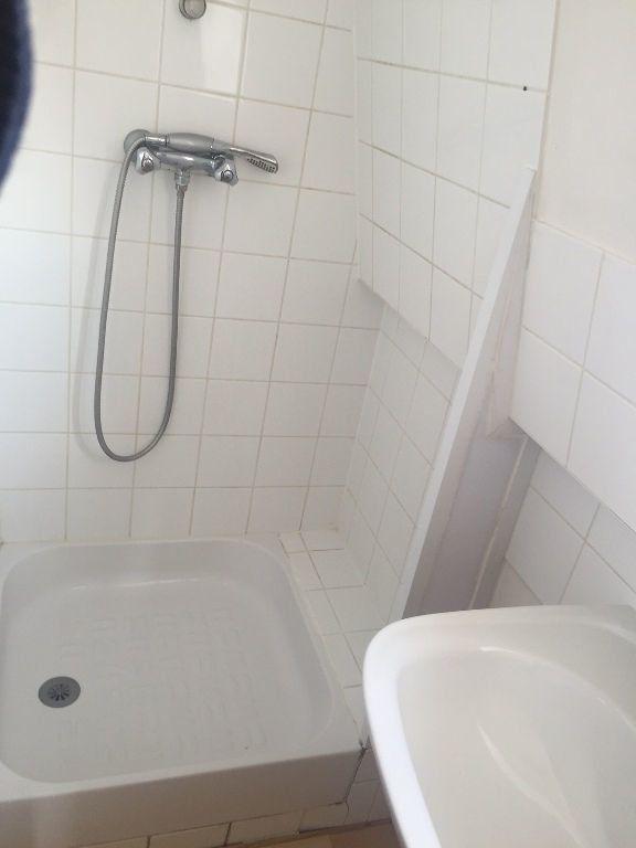 Appartement à louer 2 29m2 à Saint-Quentin vignette-5