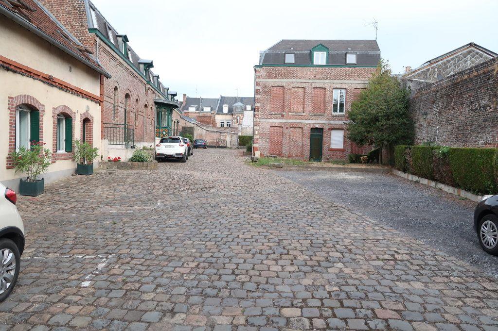 Appartement à louer 2 29m2 à Saint-Quentin vignette-7