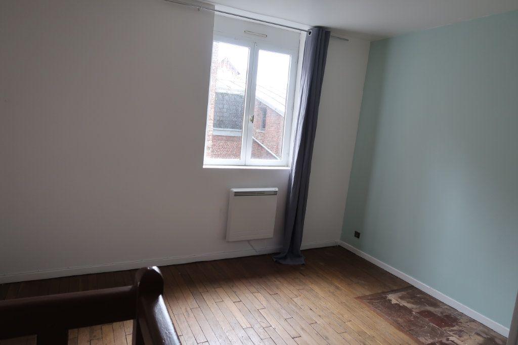 Appartement à louer 2 35m2 à Saint-Quentin vignette-4