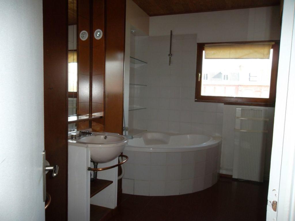 Appartement à louer 3 100m2 à Saint-Quentin vignette-5