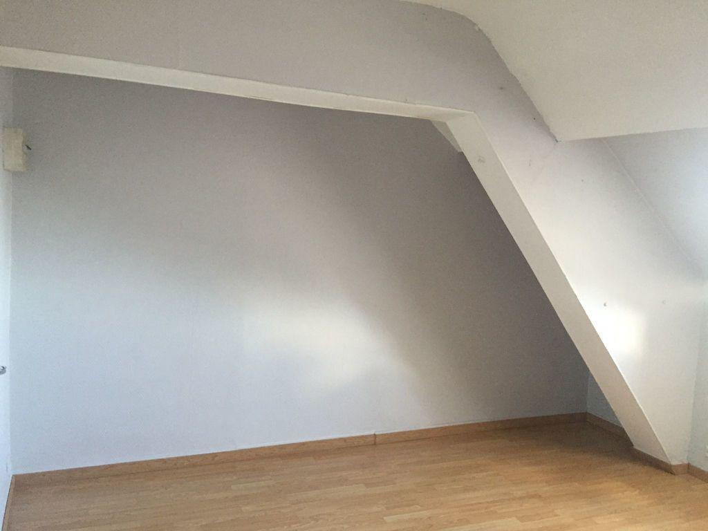 Appartement à louer 2 35.2m2 à Saint-Quentin vignette-1