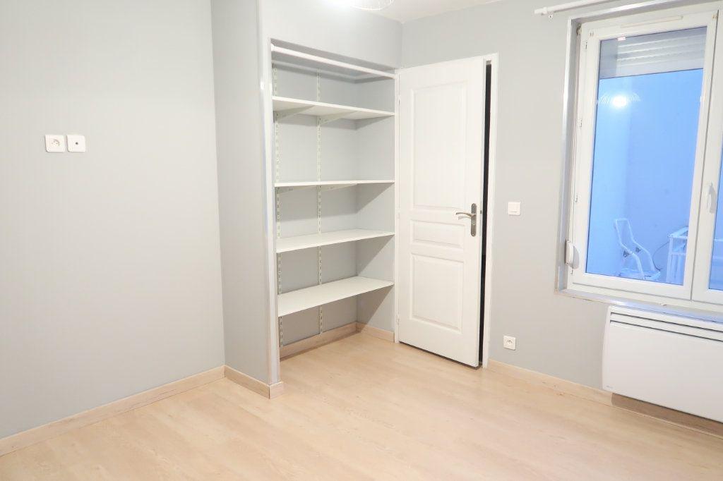 Appartement à louer 1 42.95m2 à Saint-Quentin vignette-3