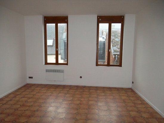 Appartement à louer 3 77m2 à Saint-Quentin vignette-2