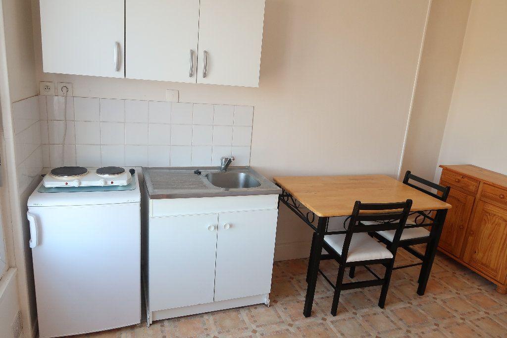 Appartement à louer 1 17.11m2 à Saint-Quentin vignette-2