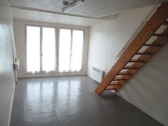 Appartement à louer 2 28.87m2 à Saint-Quentin vignette-1