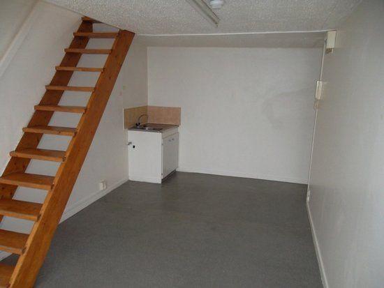 Appartement à louer 2 28.87m2 à Saint-Quentin vignette-2