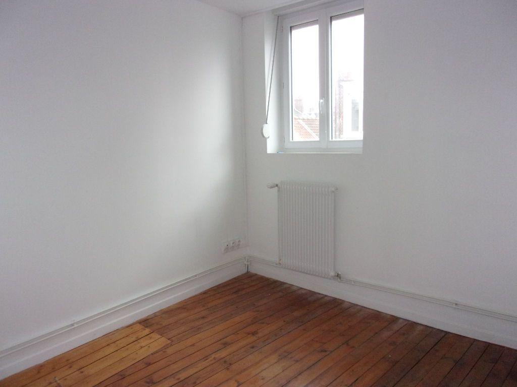 Appartement à louer 3 80m2 à Saint-Quentin vignette-3