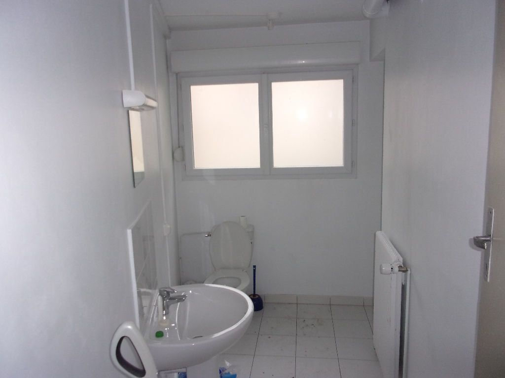 Appartement à louer 3 80m2 à Saint-Quentin vignette-4