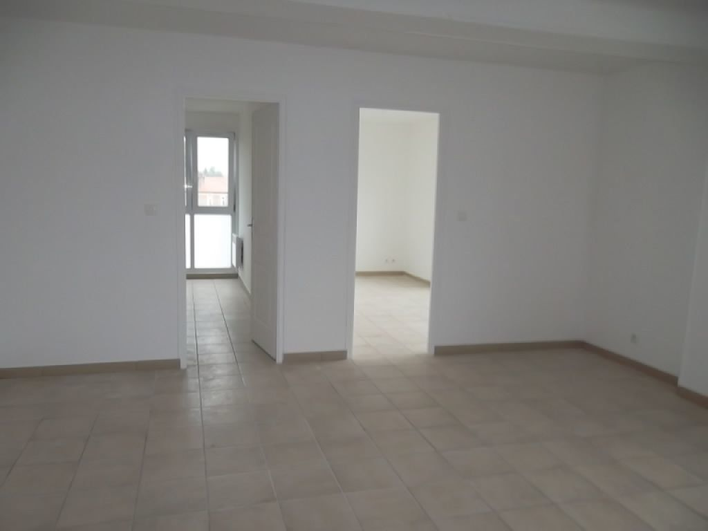 Appartement à louer 3 68m2 à Guise vignette-1