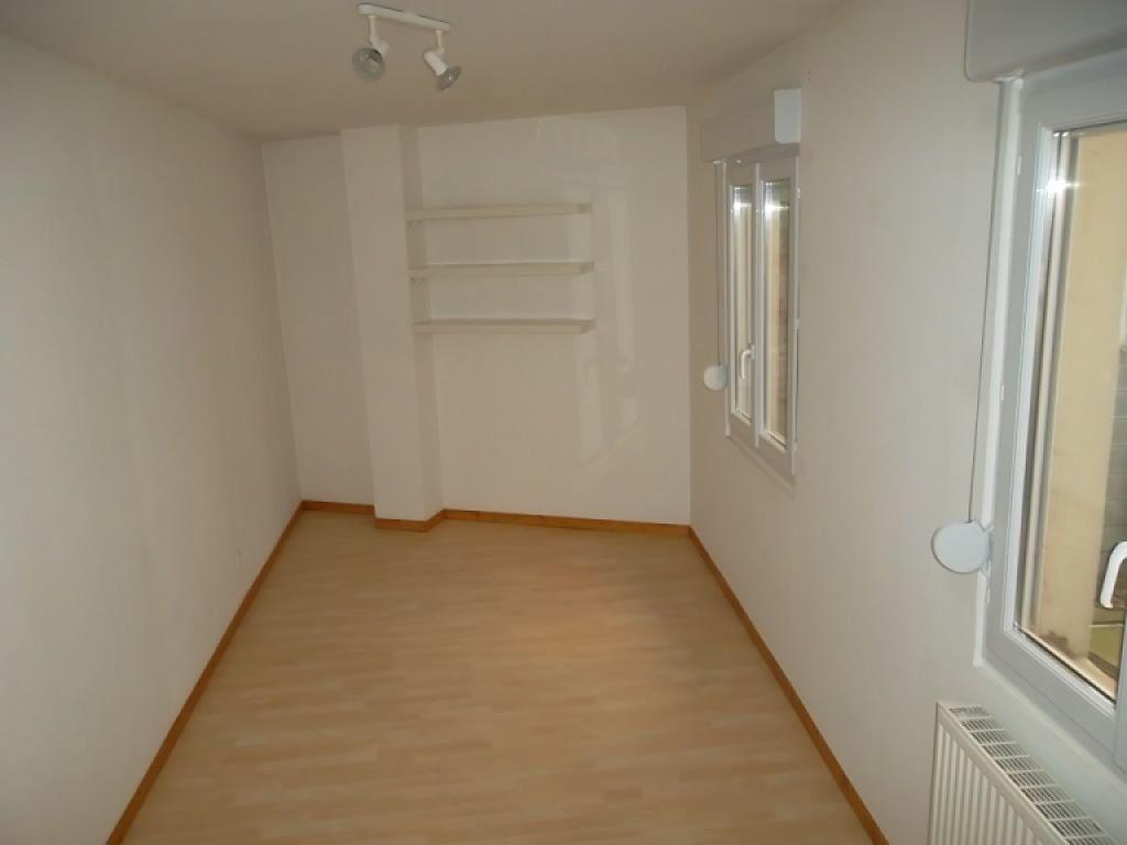Appartement à louer 3 84.08m2 à Saint-Quentin vignette-4