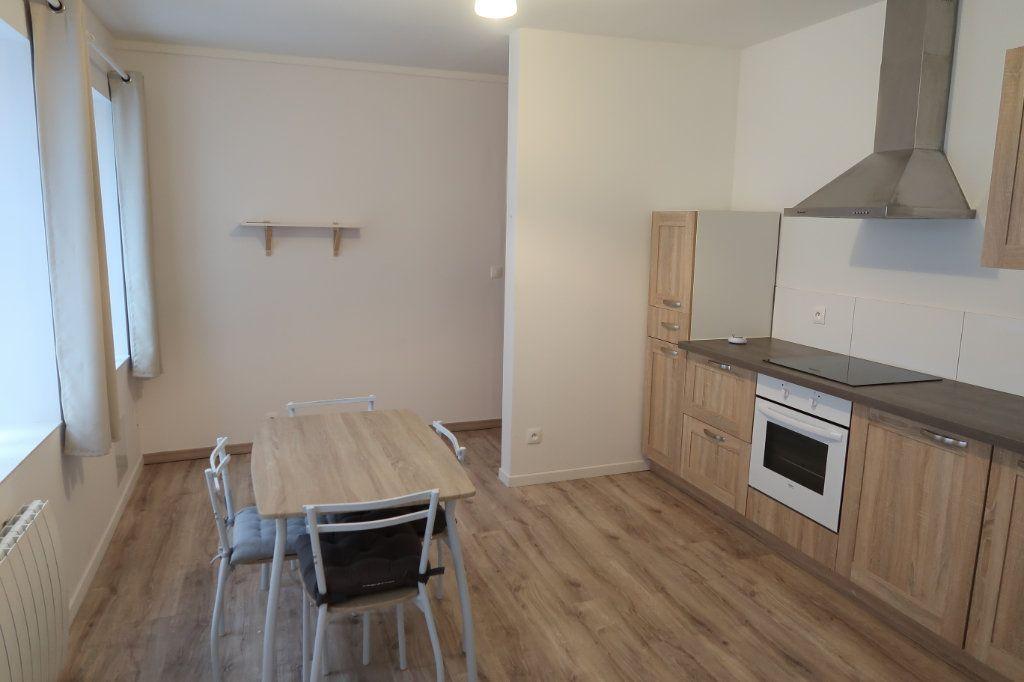 Appartement à louer 1 39.6m2 à Saint-Quentin vignette-1