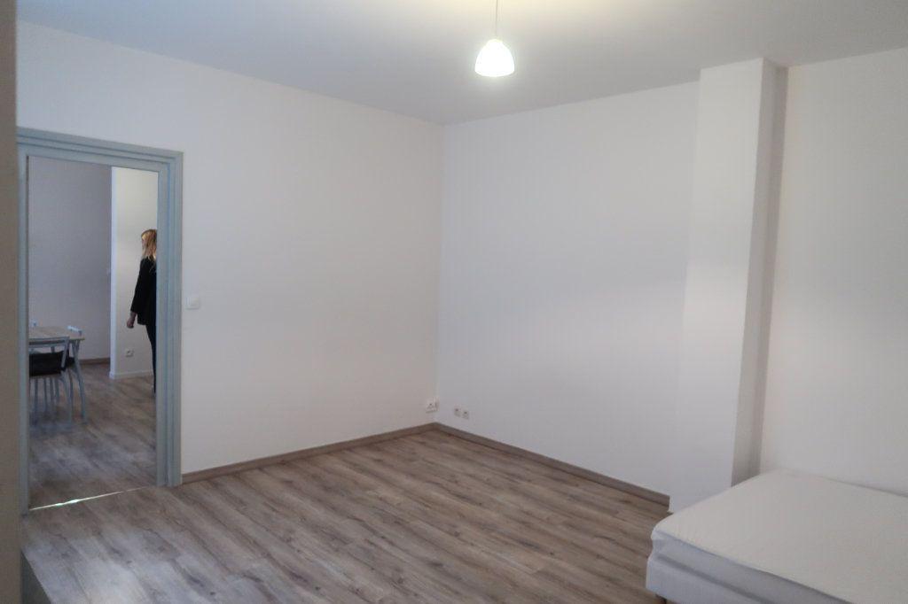 Appartement à louer 1 39.6m2 à Saint-Quentin vignette-4