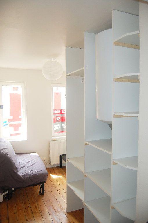 Appartement à louer 1 14m2 à Saint-Quentin vignette-3