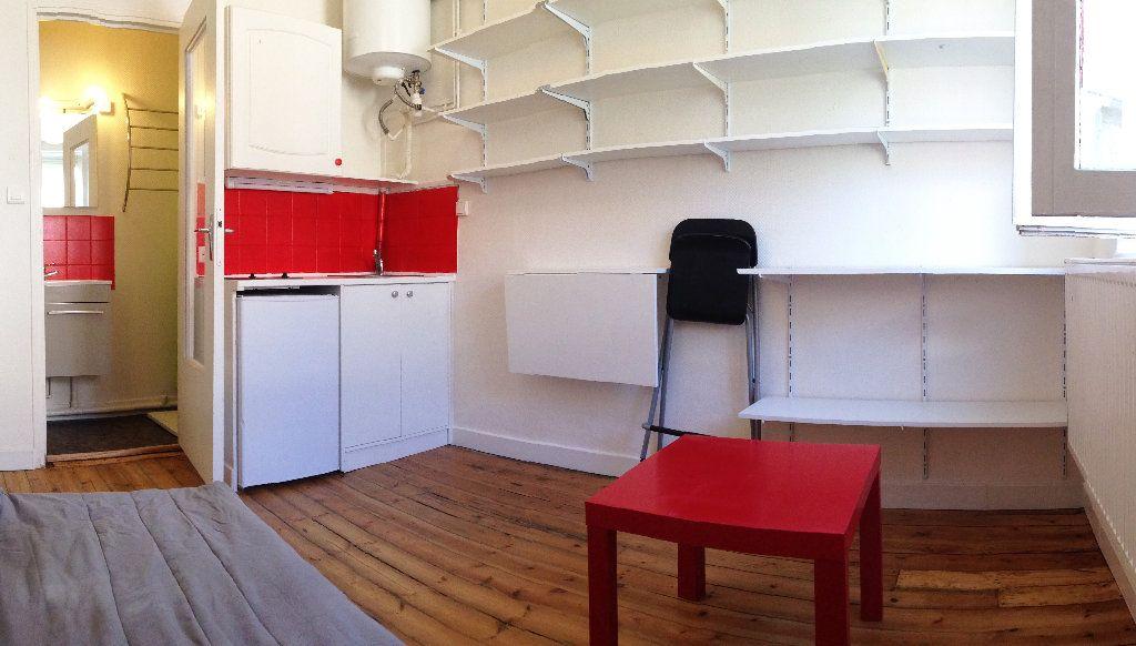 Appartement à louer 1 13m2 à Saint-Quentin vignette-1