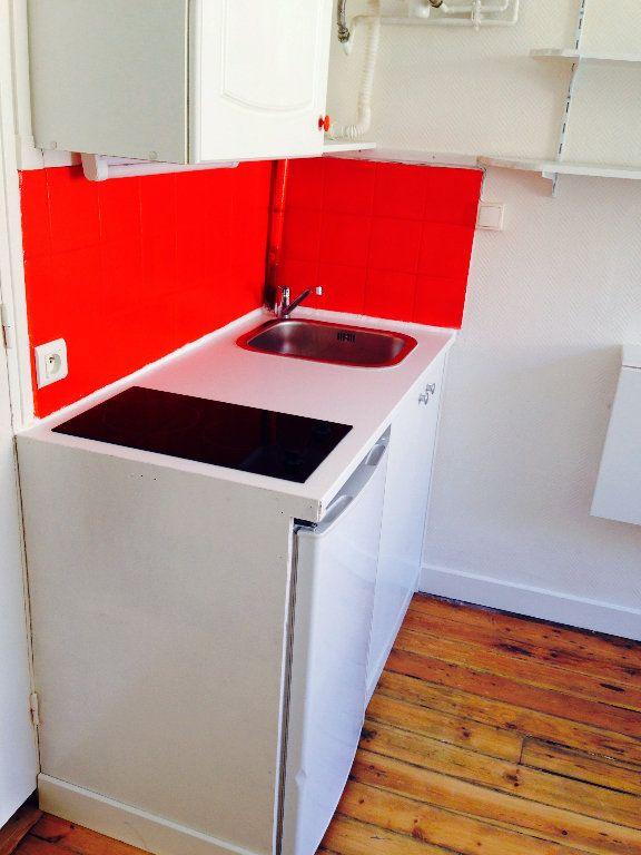 Appartement à louer 1 13m2 à Saint-Quentin vignette-2