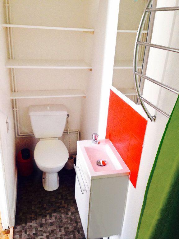 Appartement à louer 1 13m2 à Saint-Quentin vignette-3