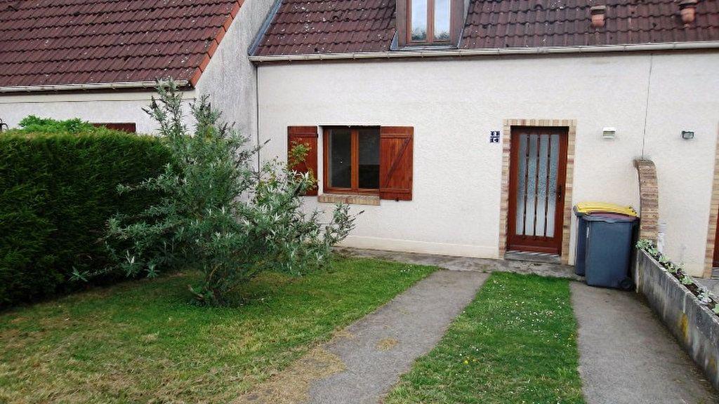 Maison à louer 3 78m2 à Homblières vignette-1