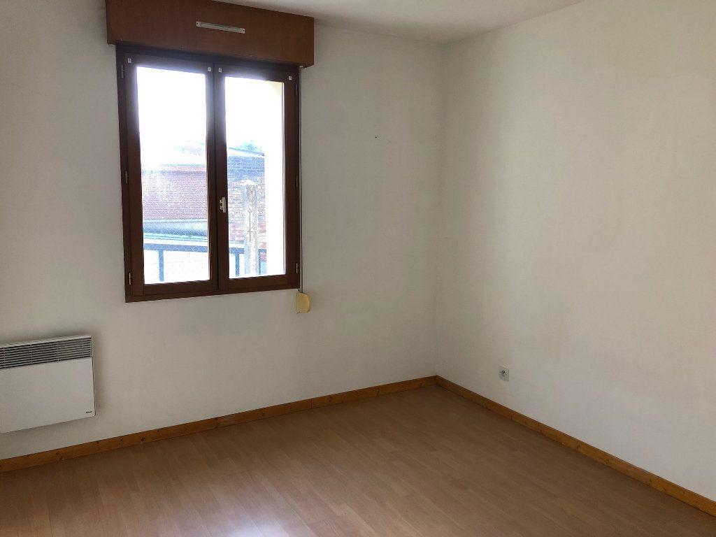 Appartement à louer 3 74.66m2 à Chauny vignette-3