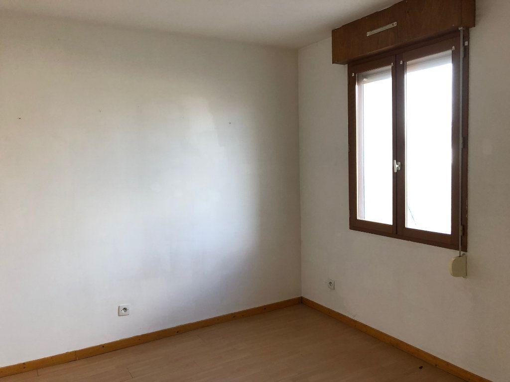 Appartement à louer 3 74.66m2 à Chauny vignette-4