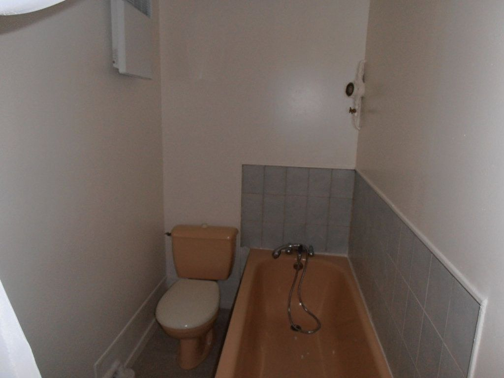 Appartement à louer 1 10.74m2 à Saint-Quentin vignette-3