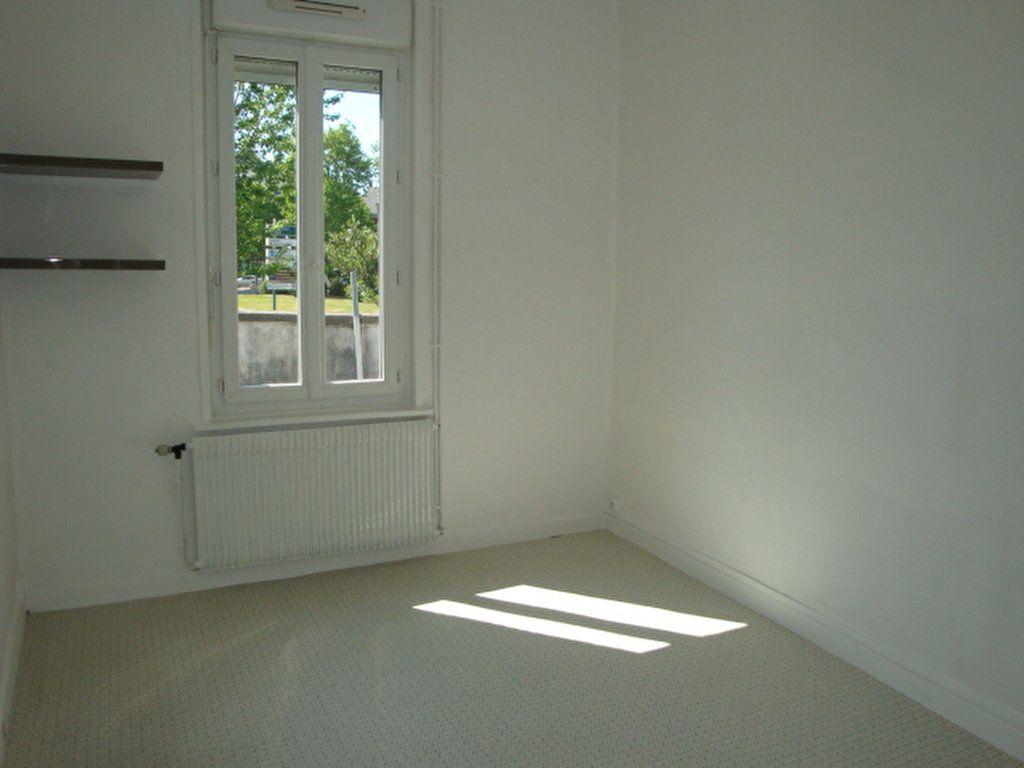 Appartement à louer 2 22m2 à Amiens vignette-1