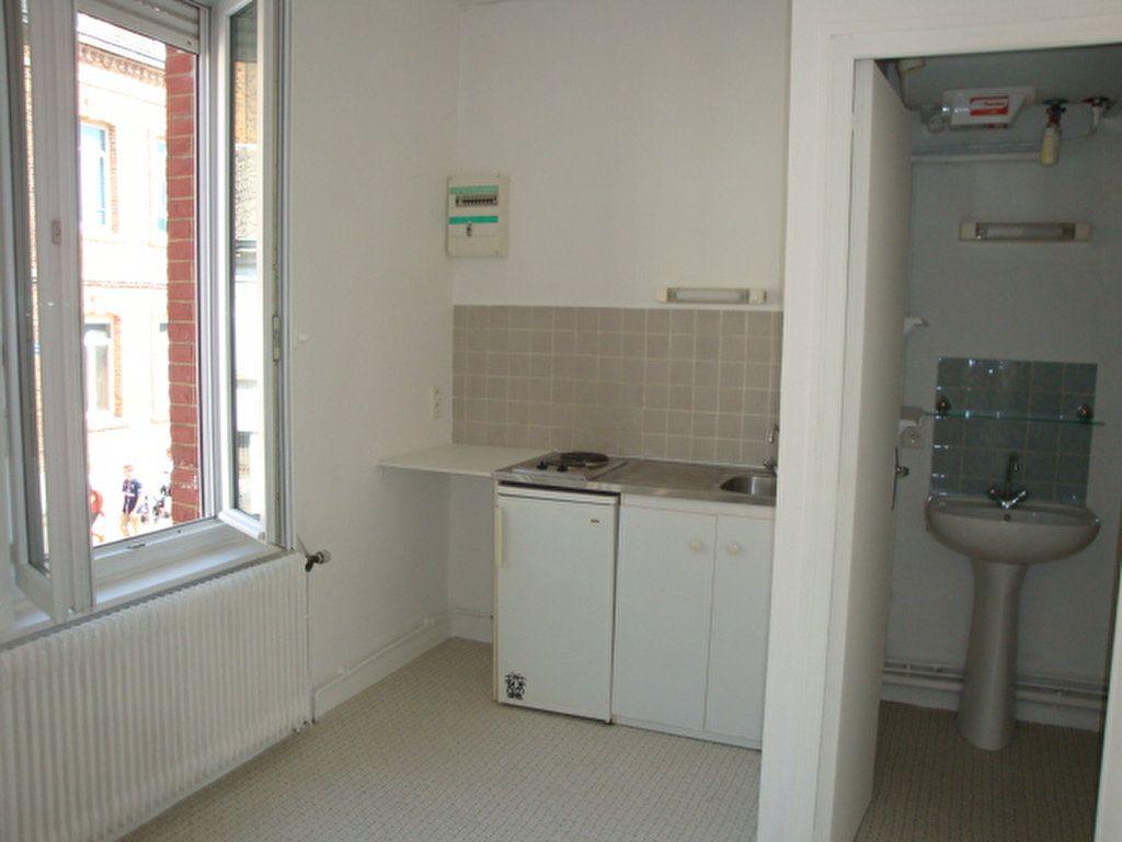 Appartement à louer 2 22m2 à Amiens vignette-2