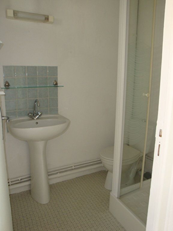 Appartement à louer 2 22m2 à Amiens vignette-3