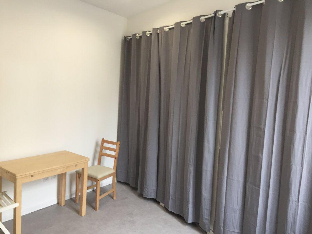 Appartement à louer 1 10.41m2 à Amiens vignette-2