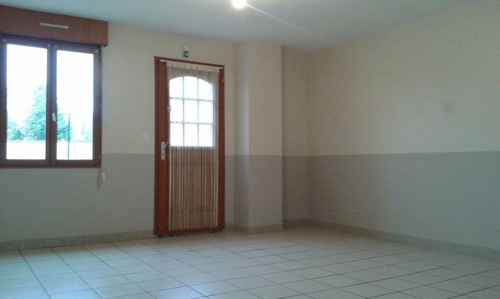 Appartement à louer 4 62.27m2 à Chauny vignette-1