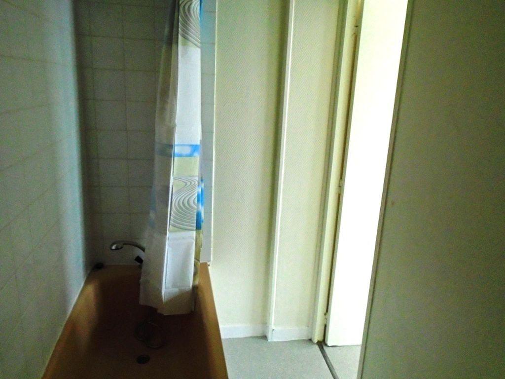 Appartement à louer 1 21.29m2 à Saint-Quentin vignette-5