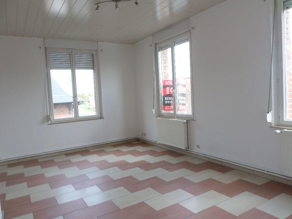 Appartement à louer 3 60m2 à Beautor vignette-1