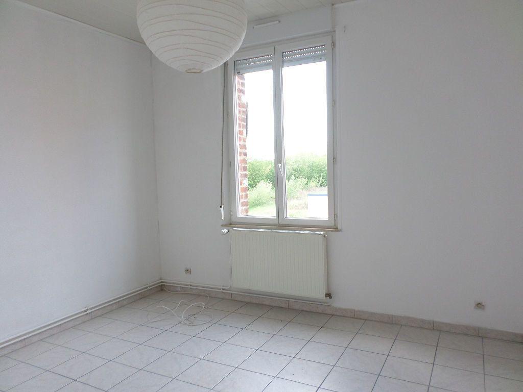 Appartement à louer 3 60m2 à Beautor vignette-2