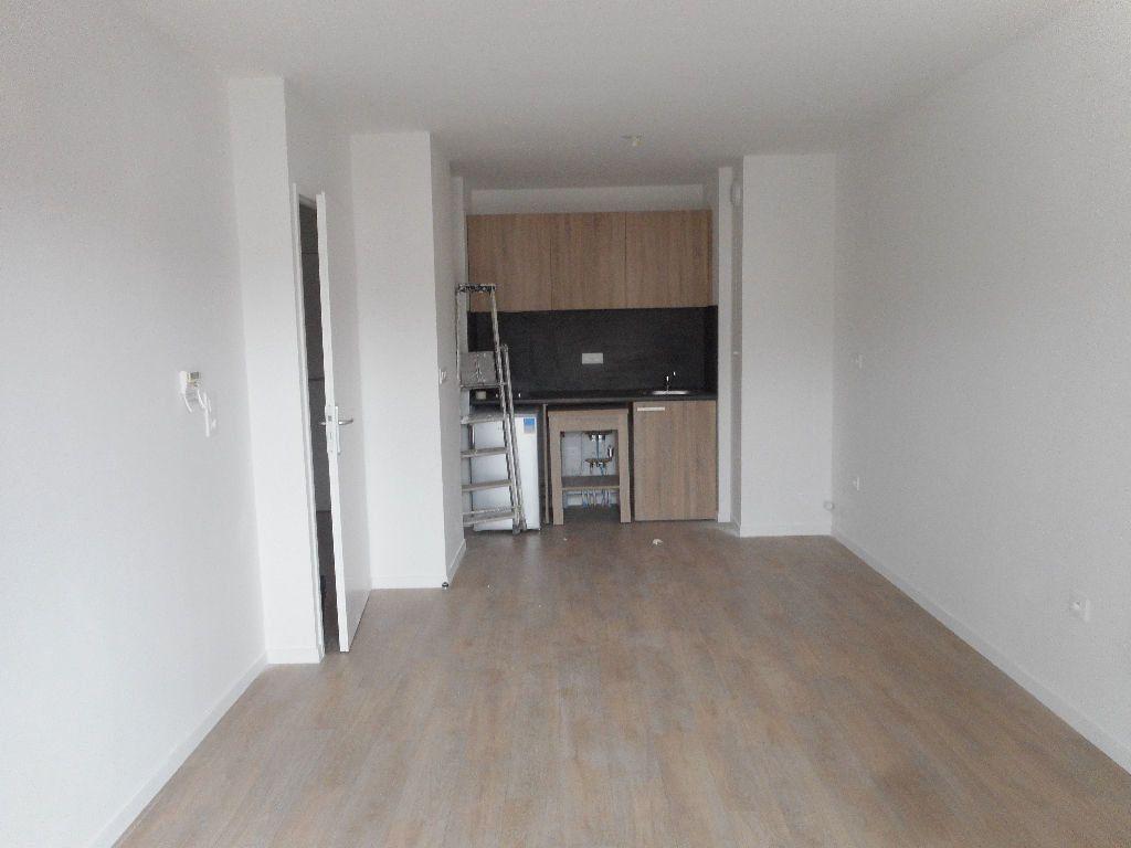 Appartement à louer 2 40.6m2 à Amiens vignette-3