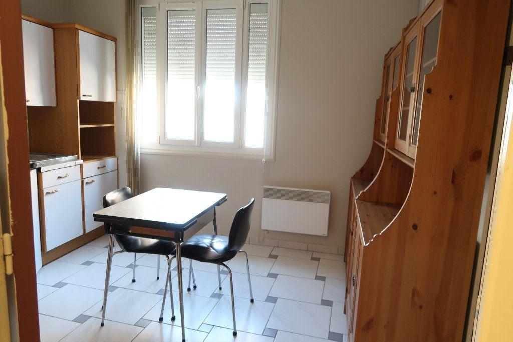 Appartement à louer 1 31.92m2 à Saint-Quentin vignette-1