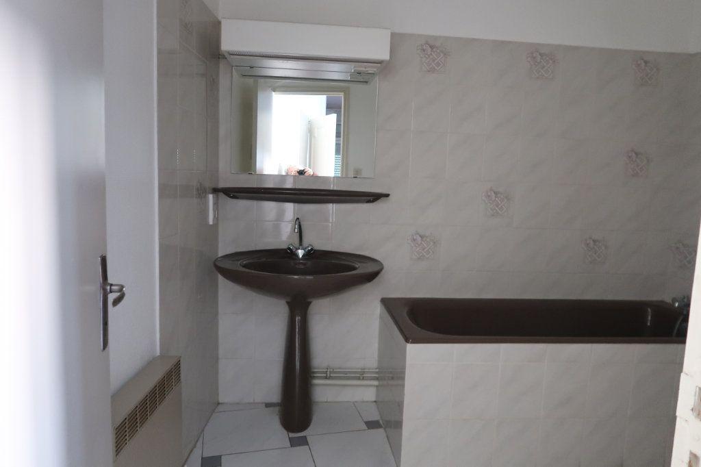 Appartement à louer 1 31.92m2 à Saint-Quentin vignette-4